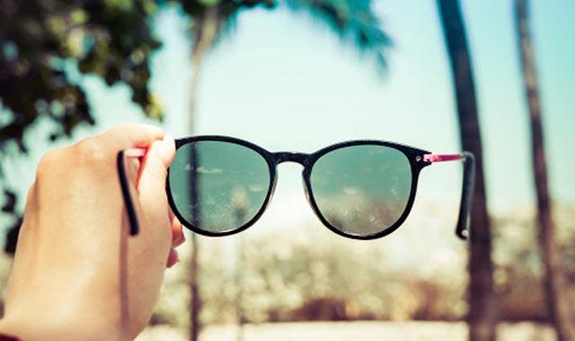 Uzmanlardan sahte güneş gözlüğü uyarısı: Renk körlüğü ve katarakta neden oluyor