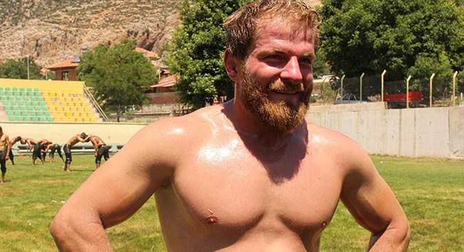 Survivor şampiyonu İsmail Balaban güreş antrenmanlarına başladı