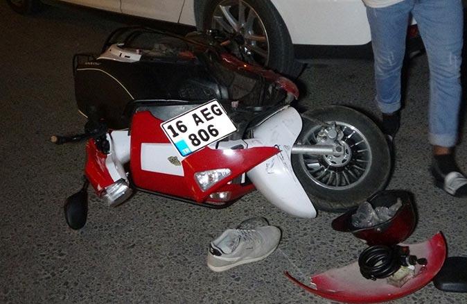 Antalya'da otomobille motosiklet çarpıştı! Sürücü yaralandı