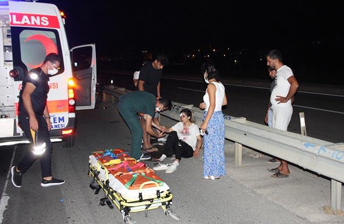 Antalya'da feci kaza! Mehmet Çetiner ve Kübra Çetiner yaralandı
