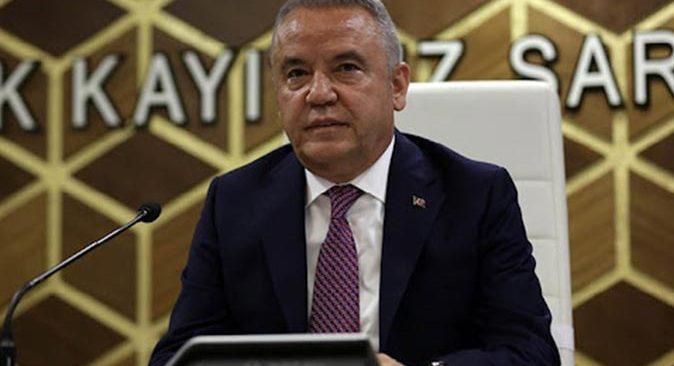 Başkan Muhittin Böcek Büyükşehir Meclisi'ni olağanüstü toplantıya çağırdı