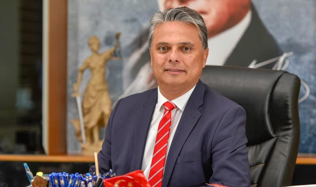 Başkan Ümit Uysal'dan hukuk ve demokrasi vurgusu