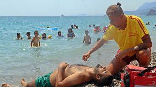 Antalya'da tatilciler tatbikatı şaşkınlık içinde izledi