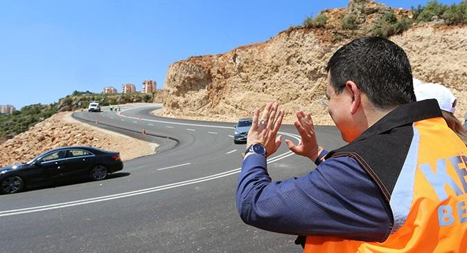 Kepez Belediyesi'nden trafiği rahatlatan yol