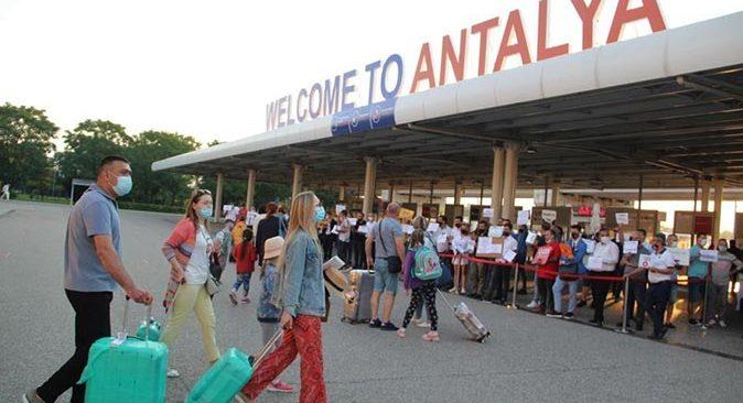Antalya'ya gelen turist sayısı 638 bin 127'ye ulaştı