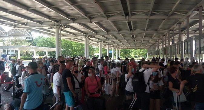 Antalya'da turist yoğunluğu sürüyor!