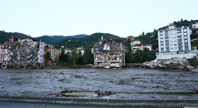 SON DAKİKA! Karadeniz'deki sel felaketinde can kaybı 11'e yükseldi