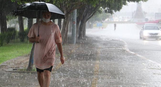 Bu bölgelerde yaşayanlar dikkat! Kuvvetli yağış geliyor