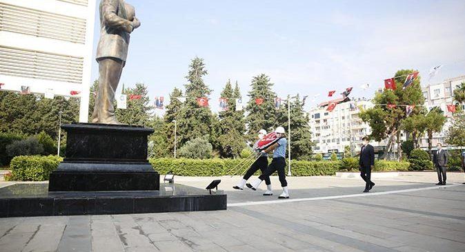 30 Ağustos Zaferi'nin 99'uncu yıldönümü Büyükşehir Belediyesi'nde kutlandı
