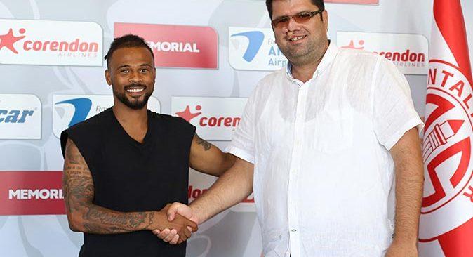 Antalyaspor, Fredy Ribeiro ile olan sözleşmesini uzattı