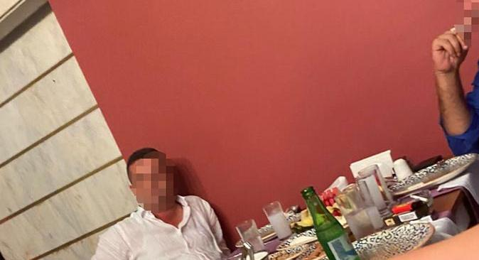 Antalya'da hakimin, serbest bırakılan şüpheliyle çekilen fotoğrafına soruşturma açıldı