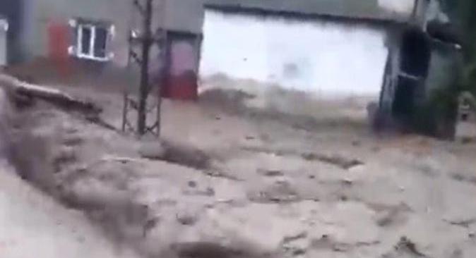Aşağı İnkaya köyünü sel bastı