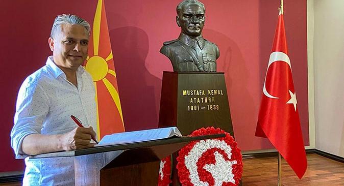 Başkan Ümit Uysal Manastır Askeri İdadisi'ni ziyaret etti