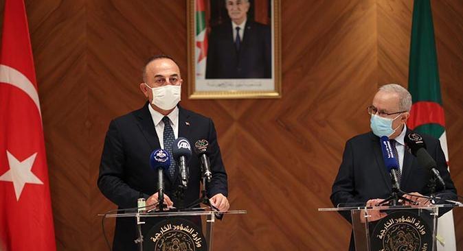 Dışişleri Bakanı Mevlüt Çavuşoğlu mevkidaşı Ramtane Lamamra ile görüştü