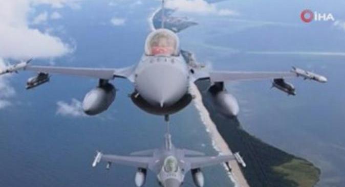 Türk F-16'ları Polonya semalarında