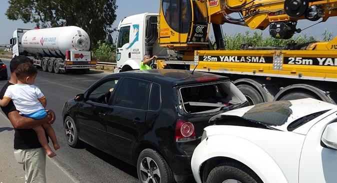 Manavgat'ta zincirleme trafik kazası! Yaralı var