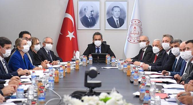 Milli Eğitim Bakanı Mahmut Özer'den yüz yüze eğitim ile ilgili yeni açıklama