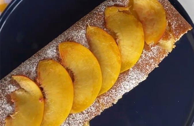 Şeftalili yaz keki
