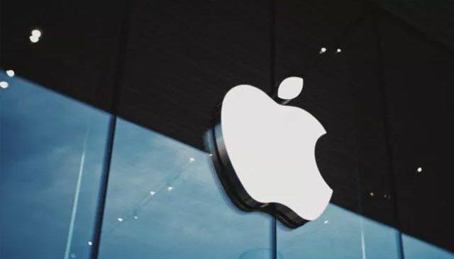 Apple, çalışanlarından farklı iddialarla boğuşuyor