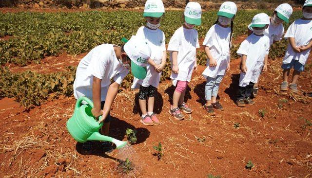 Antalya Orman Çiftliği'nin kapılarını çocuklara açtı