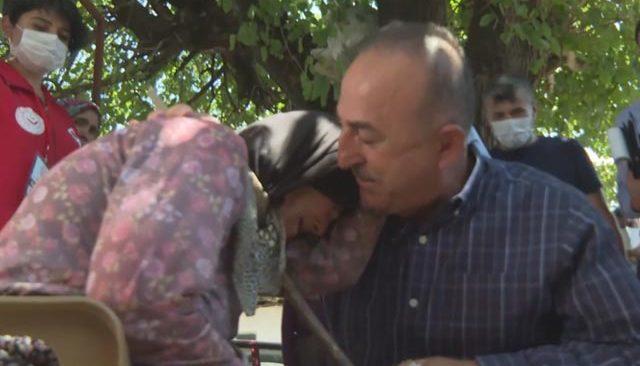 Bakan Çavuşoğlu'na Bucak'ta incelemelerde bulundu