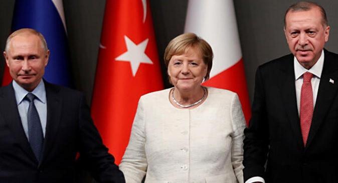 Cumhurbaşkanı Erdoğan Putin ve Merkel ile telefonda görüştü