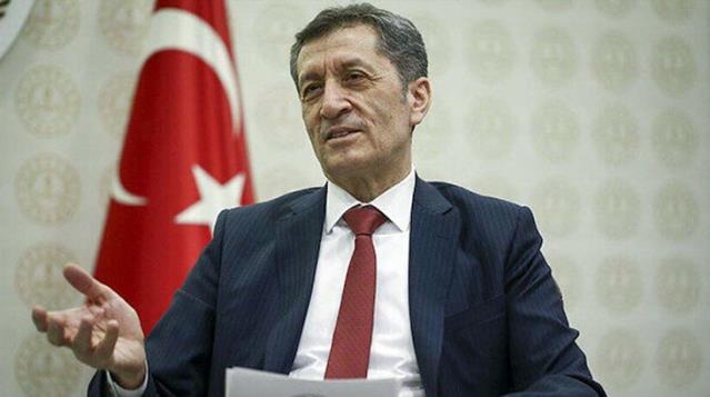 Eski Bakan Ziya Selçuk, istifasından sonra ilk paylaşımını yaptı