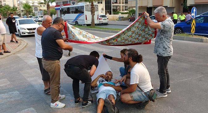 Antalya'da otomobile çarpmamak için fren yapınca sürüklendi!