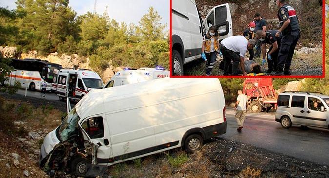 Manavgat'a destek için gelen konvoyda feci kaza! Faciadan dönüldü