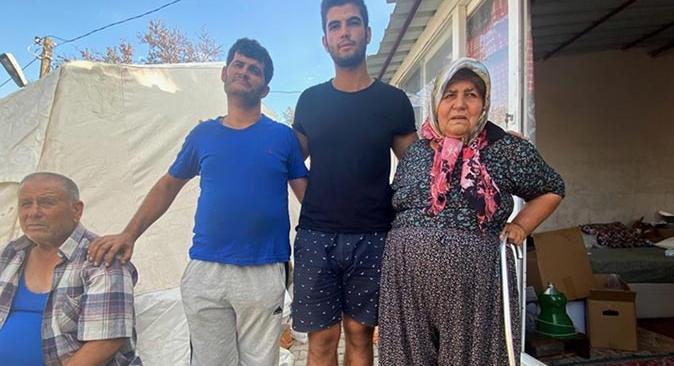 Manavgat'ta yangından kaçarken araçları devrildi, yardımlarına orman işçileri koştu