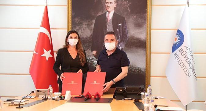 Antalya Büyükşehir Belediyesi'nde personele 6 bin 160 TL banka promosyonu ödenecek