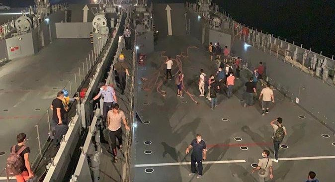 Ören'de vatandaşlar askeri gemi ile tahliye ediliyor!