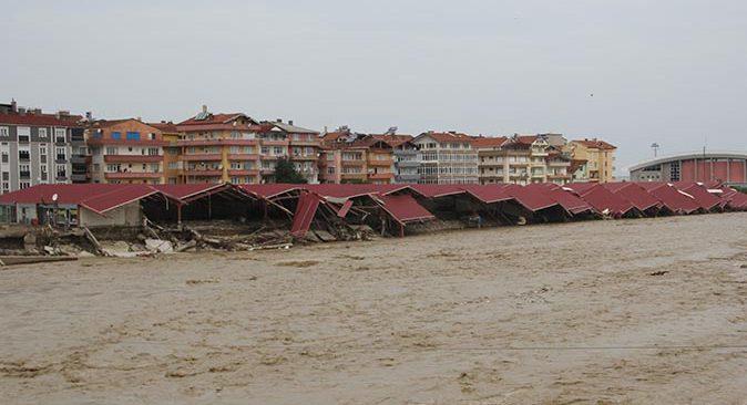 SON DAKİKA! Sel felaketinde can kaybı yükseldi