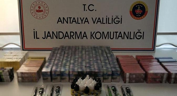 Antalya'da kaçak sigara operasyonu! Şüpheli yakalandı