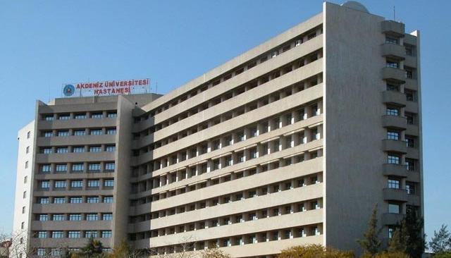 Antalya'da hastanenin 6. katından atlayan kişi öldü