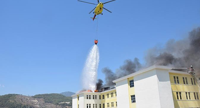 Kumluca'da yurtta çıkan yangın söndürüldü!