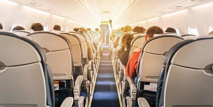 Moskova - Antalya uçağında hareketli dakikalar! Gözaltına alındı, yolcular alkışladı