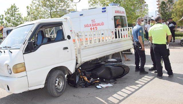 Çırağın araba merakı başına dert açtı! 1 kişi yaralandı...
