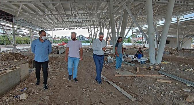Kemer'de Arslanbucak Mahallesi kapalı pazarına kavuşuyor