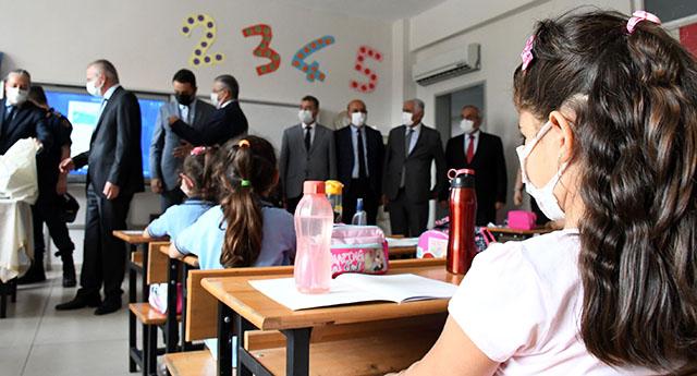 Kemer'de yeni eğitim yılı için açılış programı düzenlendi