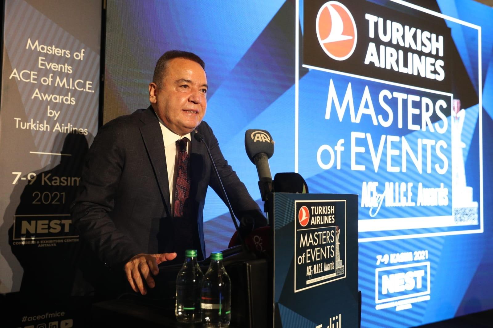 Başkan Böcek: Turizmcilerimizin emrindeyiz