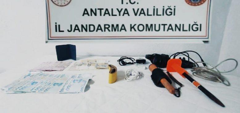 Akseki'de kaçak kazı operasyonu! Firari hemşire aranıyor