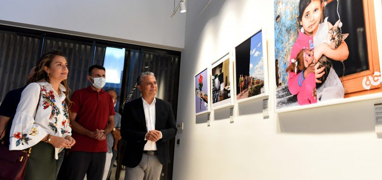Dijital kolaj sanatı sergisi Muratpaşa'da açıldı