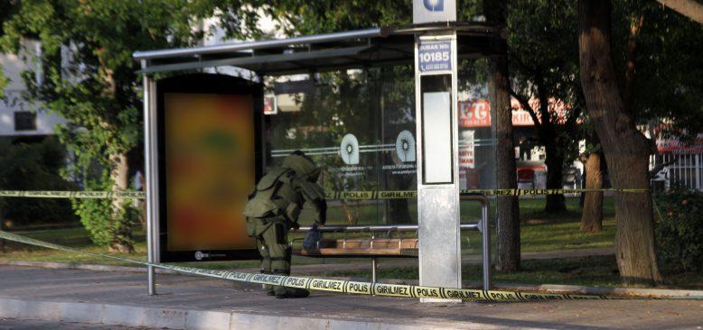 Antalya'da şüpheli poşet paniği