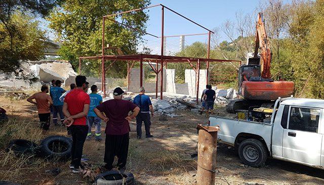 Dimçayı yolu üzerinde bulunan kaçak yapılar yıkıldı