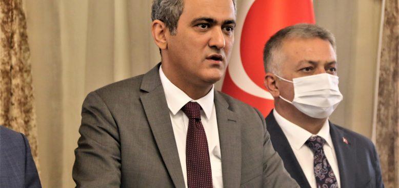 Bakan Mahmut Özer'den Antalya'ya müjde