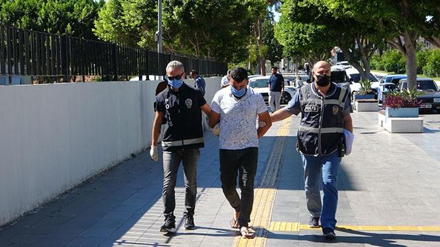 Antalya'da hurda minibüsü çaldılar!