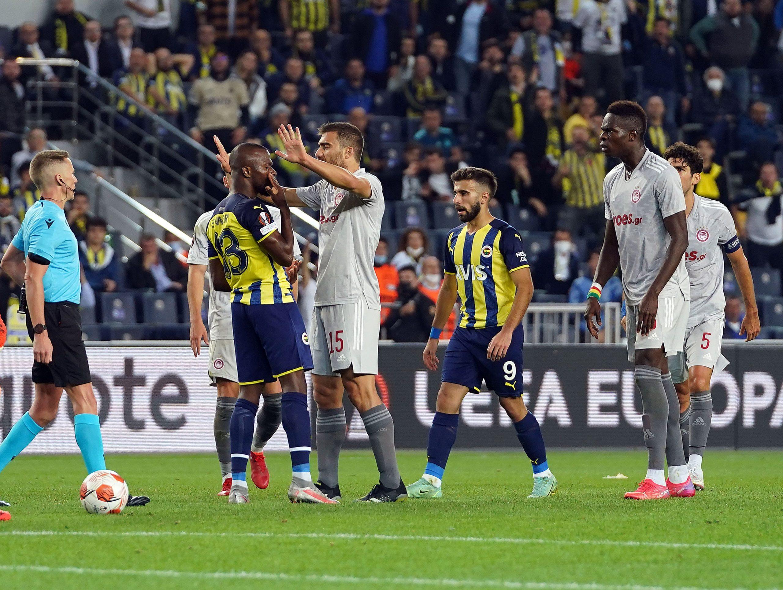 Kadıköy'de büyük yıkım! Fenerbahçe, Olympiakos'a mağlup oldu