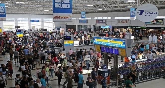 Antalya'ya havayolu ile 12 milyon turist geldi