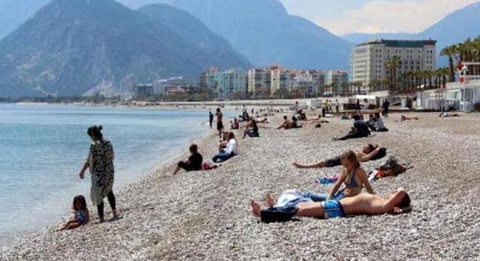 Antalya'da hava yer yer parçalı bulutlu olacak